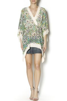 Tropical tunic with kimono sleeve and lace details