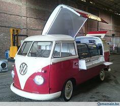 Resultado de imagem Food Trucks, Kombi Food Truck, Food Trailer For Sale, Food Truck For Sale, Trucks For Sale, Volkswagen Bus, Vw T1, Vw Camper, Kombi Trailer