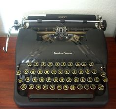 Antique 1940s Smith Corona Silent Black Typewriter - my grandmother had one
