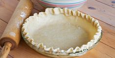 Easy Homemade Pie Crust Recipe ~ How to Make Pie Crust in the Food Processor Pie Dough Recipe, Pie Crust Recipes, Cheesecake Recipes, Cheesecake Crust, Pastry Recipe, Food Network Recipes, Food Processor Recipes, Baked Pie Crust, Easy Pie Crust