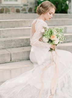 Photo by ARTIESE | Graydon Hall Manor | Bloom & Co Florals