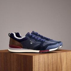 Explore the city with GANT footwear, designed for comfort & style! Fall Winter, Autumn, Comfort Style, Comfortable Fashion, Footwear, Explore, City, Sneakers, Blue