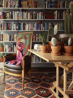 bookcase Architectural Digest, Walnut Floors, Ceiling Installation, Funky Home Decor, Eclectic Decor, Wide Plank Flooring, House On A Hill, Fireplace Surrounds, Silver Lake