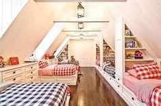 Tenemos suficiente espacio y muchos ?? Aqui os enseño para la distribucion de la habitacion... #familianumerosa Os gusta?? A mi una de las cosas que mas me gustan son las colchas de cuadros combinadas en dos colores !! Clasico pero siempre un acierto !! #interiores #interiors #interiordesign #kids #kidsdesign #kidsroom #boyroom #girlroom #bedroom #familianumerosa #seiscamas #buhardillasconencanto #decor #kidsdecor #decoracion #checkfabrics #colcha...