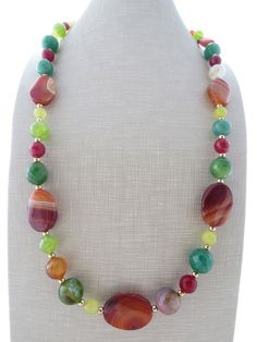 Chunky necklace, multi gemstone necklace, orange, green and yellow agate necklace, beaded necklace, stone jewelry, summer jewelry, gioielli    Glamour chunky necklace with orange, green and yellow agate.  Perfect for your summer outfits !      Italian gemstone jewelry  Total length: 27.2 inches - 69 cm  Gold tone  All jewels come beautifully gift boxed       Sofias Bijoux jewelry:  http://www.etsy.com/it/shop/Sofiasbijoux      *****************************   These jewels are handmade with…