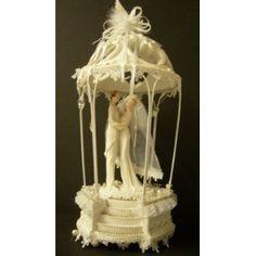 Wedding Couple in Gazebo, Musical Wedding Gift or Cake Topper - LARGE!: Amazon.co.uk: Kitchen & Home