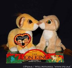 Disney's The Lion King Sweatheart Simba and Nalaby Mattel UPC: 074299115288 Model These Kissing Simba and Nala plush were made by Mattel and sold. Lion King Kissing Simba and Nala Cubs by Mattel 90s Toys, Retro Toys, Vintage Toys, Childhood Memories 90s, Childhood Toys, Simba Und Nala, Best 90s Cartoons, Morning Cartoon, 90s Nostalgia