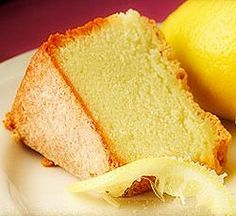 I have always been a huge fan of Ina Garten, the one and only Barefoot Contessa. Her recipes are characterized by originality and simplicity, yet there is always that touch of elegance and class. I recently tried this recipe for lemon yogurt cake. Gourmet Food Store, Gourmet Recipes, Baking Recipes, Dessert Recipes, Baking Ideas, Lemon Recipes, Sweet Recipes, Easy Recipes, Lemon Yogurt Cake