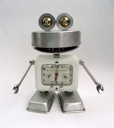 Westinghouse - Robot Assemblage Sculpture by Brian Marshall by adopt-a-bot, via Flickr by patricé