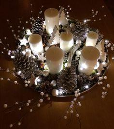 Photo : Centre de table décoré pour Noël