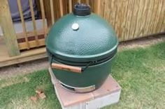 The complete unofficial instructions for smoking meat on the Big Green Egg ceramic cooker