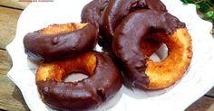 日式香酥甜甜圈 的精彩食譜。在家裡就可以吃到日式甜甜圈,香香酥酥的口感,再沾上巧克力醬,讓妳一口接一口停不下來. 訣竅提示 有任何不明白的地方,歡迎到我的痞客幫或我的facebook問我喔,因為有時這裡會收不到訊息 我的痞客幫: http://hanaskichen.pixnet.net/blog/post/167581548 我的facebook: https://www.facebook.com/hanaskichen