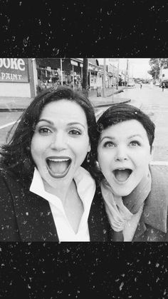 """Lana Parrilla: """"It's snowing in Storybrooke! with Ginny Goodwin Abc Shows, Best Tv Shows, Best Shows Ever, Favorite Tv Shows, Favorite Things, Ginny Goodwin, Ginnifer Goodwin, Icons Twitter, Movies Showing"""