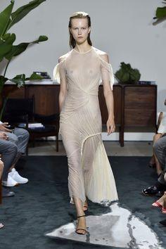 Visit the post for more. Jason Wu, Fashion 2017, Fashion News, Fashion Trends, Sexy Reception Dress, Diane Von Furstenberg, Victoria Beckham, Teen Girl Poses, Spring Summer Fashion