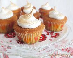 Rhubarb cupcakes with meringue frosting