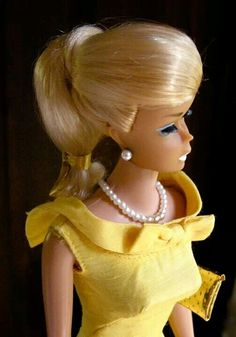What a beautiful swirl ponytail Barbie!