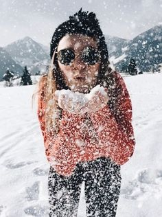 Ski vacation and her. What alse do i need ski love snow fun Winter Instagram, Photo Instagram, Snow Photography, Photography Poses, Snow Pictures, Snow Skiing, Winter Pictures, Photoshoot, Ushuaia