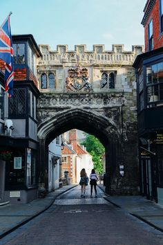 Salisbury is a medieval old town, home to the Magna Carta and absolutely charming! The Complete Guide To Planning Your Great British Road Trip - Hand Luggage Only