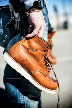 Red Wing Shoes, Red Wing Moc Toe, Red Wing 875, Mens Lace Up Boots, Jeans And Boots, Leather Boots, Sneaker Boots, Botas Red Wing, Basket Rouge