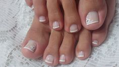 Simple Decorated Feet for Feet Toe Nail Art, Easy Nail Art, Toe Nails, French Pedicure, Manicure And Pedicure, Pedicures, Short Nails Art, Toe Nail Designs, Sexy Toes