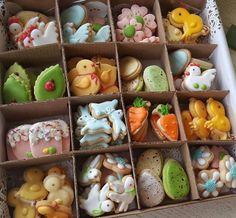 Iced Sugar Cookies, Mini Cookies, Easter Cupcakes, Easter Cookies, Kawaii Cookies, Galletas Cookies, Cookie Desserts, Easter Recipes, Cookie Decorating
