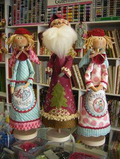 1 million+ Stunning Free Images to Use Anywhere Magical Christmas, Christmas Makes, Christmas Time, Christmas Wreaths, Christmas Ornaments, Merry Christmas, Christmas Sewing, Primitive Christmas, Christmas Fashion