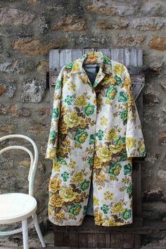 coat in vintage curtain fabric, mmm-hmm! #diy #fashion