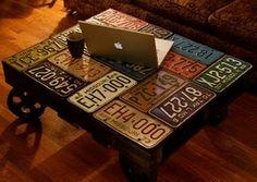 Table de salon palette et plaques immatriculation américaines