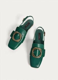 Slingback Shoes, Women's Shoes Sandals, Shoe Boots, Shoes Sneakers, Shoes Men, Pretty Shoes, Beautiful Shoes, Buy Shoes, Me Too Shoes