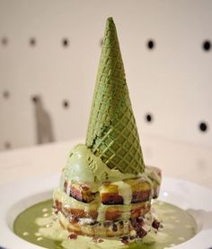 Matcha pancakes ice cream Green Tea Dessert, Matcha Cake, Green Tea Ice Cream, Green Tea Recipes, Matcha Smoothie, Matcha Benefits, Biscuits, Dessert Dishes, Matcha Green Tea
