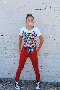 disfraces caseros, mujer en pantalon, disfraz de máquina de chicles con precio de 25