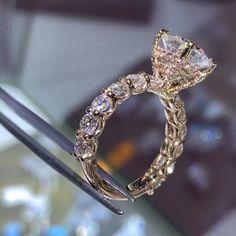 Wedding Rings – Page 3 – Modern Jewelry Diamond Rings, Diamond Cuts, Solitaire Rings, Solitaire Diamond, Band Rings, Ring Verlobung, Dream Ring, Schmuck Design, Modern Jewelry