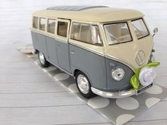 Geldgeschenk zur Hochzeit, Hochzeitsauto VW Bulli Retro, Vintage grau über http://de.dawanda.com/product/107622903-hochzeitsauto-vw-bus-t1-grauweiss-geldgeschenk
