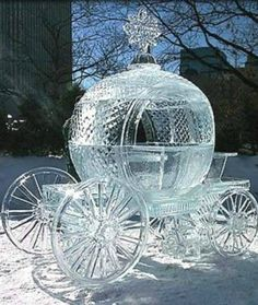 Ice sculpting is an amazing art form. The sculptors usually begin with brute force by taking a chainsaw to a block of ice, but as their work progresses, Snow Sculptures, Sculpture Art, Xavier Veilhan, Ice Magic, Ice Hotel, Ice Art, Ice Castles, Snow Art, Ice Princess