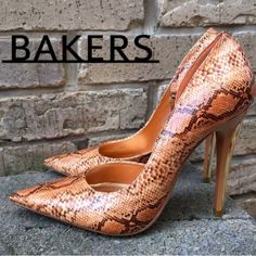 Bakers faux snakeskin pumps 6.5 Bakers faux snakeskin pumps 6.5 pre-owned Bakers Shoes Heels