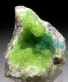Cuprian Smithsonite from Tsumeb Mine, Namibia – just love the change from neon green to leaf green  | followpics.co