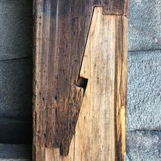 Joinery in a huge 500 x 500mm post at Osaka Castle, Osaka.