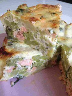 Quiche sans pâte brocolis saumon - ( remplacer le lactose par 200g de tofu soyeux, très bon)