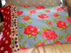 Bonnie from Wonderfully Awkward shows how to make a gorgeous new pillowcase – in just 20 minutes.  And would be believe that there are no exposed seams?