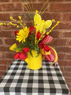 Butterfly Centerpieces, Floral Centerpieces, Floral Arrangements, Christmas Arrangements, Christmas Centerpieces, Xmas Decorations, Lavender Decor, Outdoor Table Settings, Bridal Shower Gifts