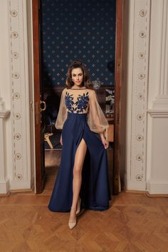Papilio Fashion House Saturated with bright shades and various silhouettes, the Allure collection with brilliance reflects all the latest trends in evening fashion. Clear sculptural lines, harmonious luxurious embroidery, perfect fit, high-quality material are the main characteristics of the model range of our new collection. Cheap Graduation Dresses, Cheap Party Dresses, Prom Dresses 2016, Dress Out, Dress For You, Dress Meaning, Evening Dresses With Sleeves, Mi Long, Beautiful Gowns