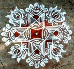Simple Rangoli Kolam, Easy Rangoli Designs Diwali, Simple Rangoli Designs Images, Rangoli Designs Latest, Rangoli Designs Flower, Rangoli Borders, Free Hand Rangoli Design, Rangoli Border Designs, Small Rangoli Design