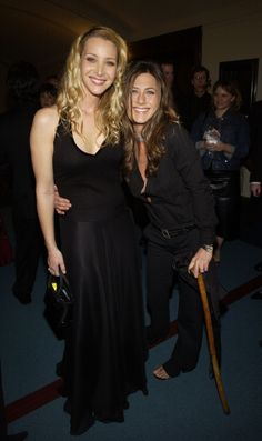 Jennifer Aniston, Lisa Kudrow, and a cane, ladies and gents.
