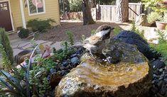 Diy Water Fountain, Diy Garden Fountains, Bird Bath Fountain, Bird Bath Garden, Diy Bird Bath, Water Garden, Homemade Water Fountains, Rock Fountain, Fountain Garden