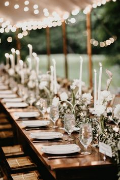 The Importance of Wedding Centerpieces to Your Wedding Reception Planning - Vera's Wedding Help Wedding Table Centerpieces, Flower Centerpieces, Wedding Decorations, Centerpiece Ideas, Wedding Reception Planning, Wedding Day Tips, Reception Ideas, Wedding Ceremony, Lodge Wedding