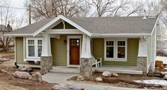 41 Super Ideas House Exterior Makeover Before And After Craftsman Style House With Porch, House Front, Home Exterior Makeover, Small Front Porches Designs, House Designs Exterior, Exterior Remodel, Porch Kits, Front Porch Design, Small Front Porches