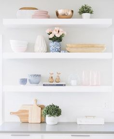 """3,656 Likes, 24 Comments - Style Me Pretty Living (@smpliving) on Instagram: """"#shelfie of the day goes to @designlovesdetail! How good?! 📷 @jessicawhitephoto #SMPloves"""""""