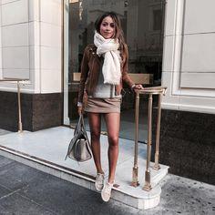 JULIE SARIÑANA (@sincerelyjules) • Fotos y vídeos de Instagram