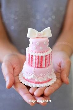 Gorgeous mini cake - For all your cake decorating supplies, please visit https://craftcompany.co.uk