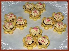 Obrazek Mini Cupcakes, Muffin, Breakfast, Food, Kitchen Ideas, Morning Coffee, Muffins, Meals, Cupcakes